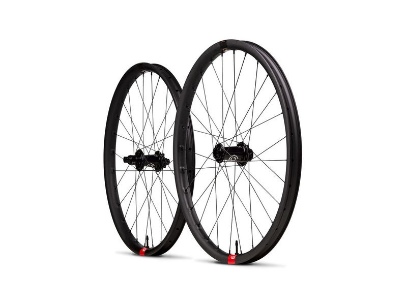 SANTA CRUZ Reserve Carbon Wheels - i9 Hubs Boost click to zoom image